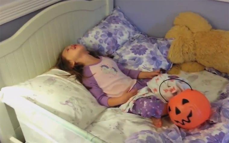 Kindern erzählen, alle Halloween-Süßigkeiten seien weg I_ate_all_your_halloween_candy