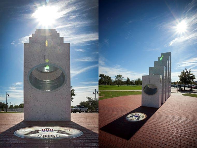 Jährliche Sonnenprojektion Veteran_Day_Statue_01
