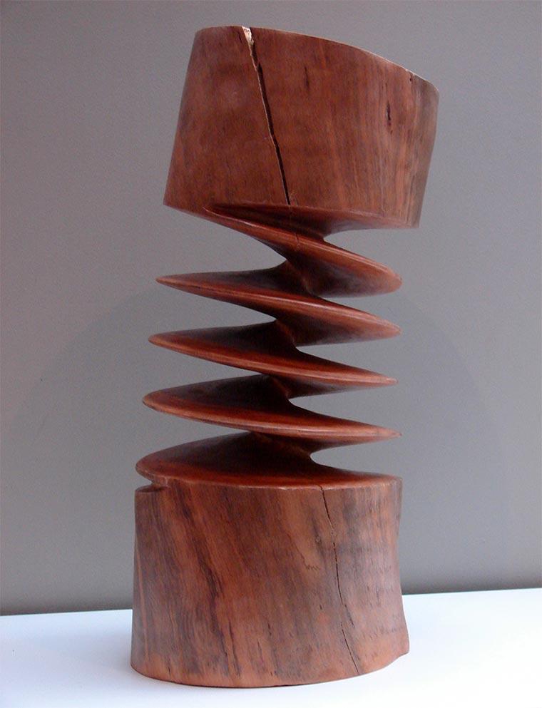 Verdrehte Holz-Skulpturen Xavier-Puente-Vilardell_02
