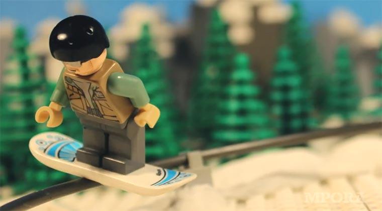 LEGO_snowboarding