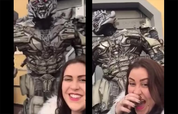 Megatron hasst Selfies Megatron_on_selfies