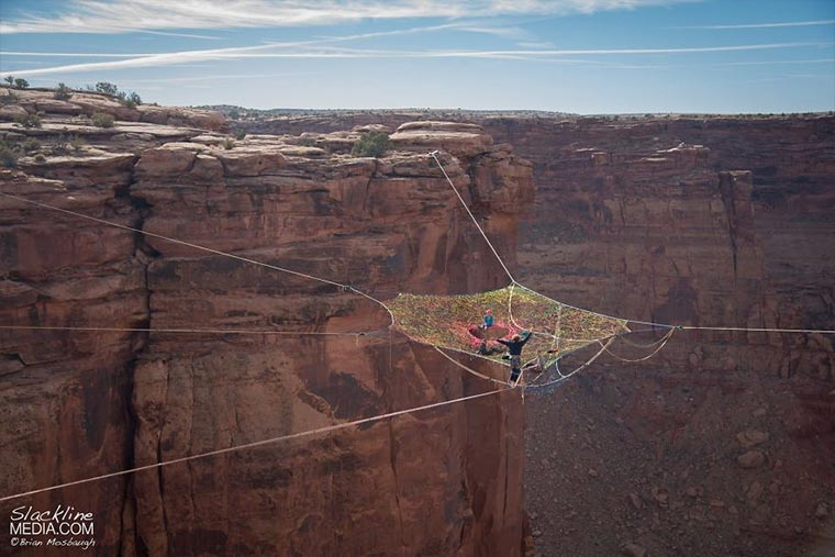 Das Slackline-Spinnennetz Mothership_Space_Net_Penthouse_02