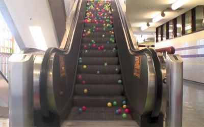 balls_on_escalator