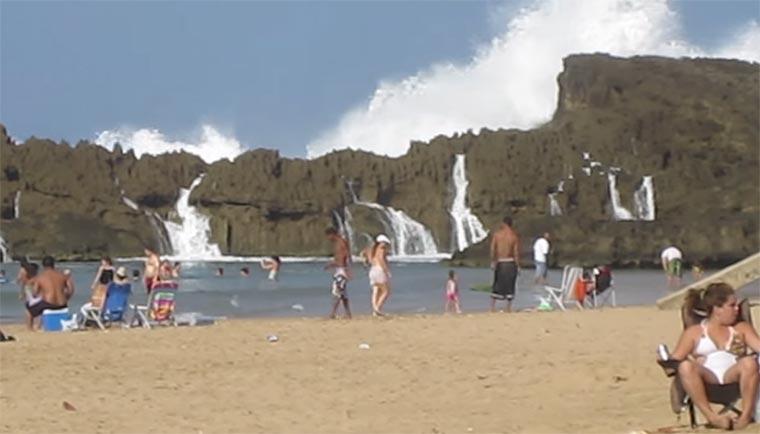 Strand mit natürlichem Fels-Wellenschutz playa_puerto_nuevo