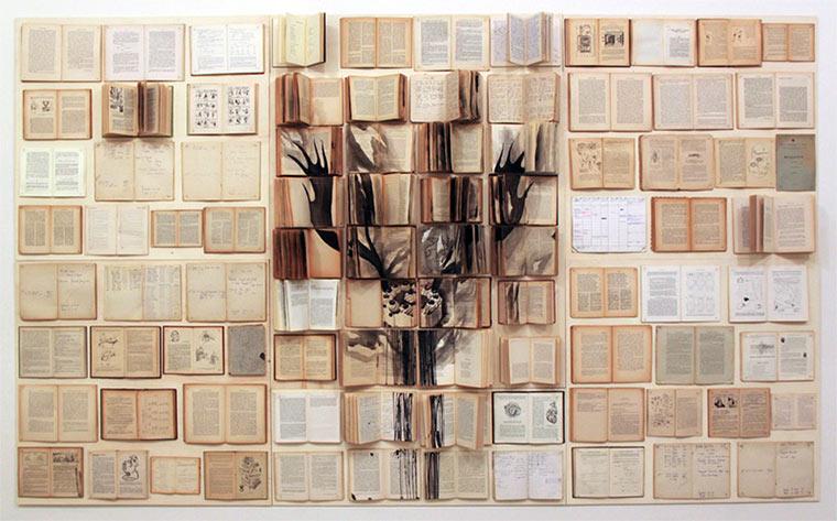 Tintenzeichnungen auf Büchern Ekaterina-Panikanova_05
