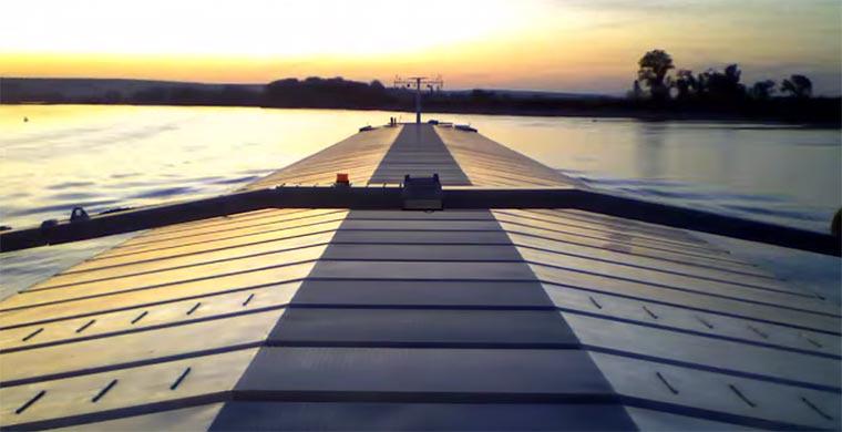 Timelapse: den Rhein hinunter Schifffahrt-Rhein_01