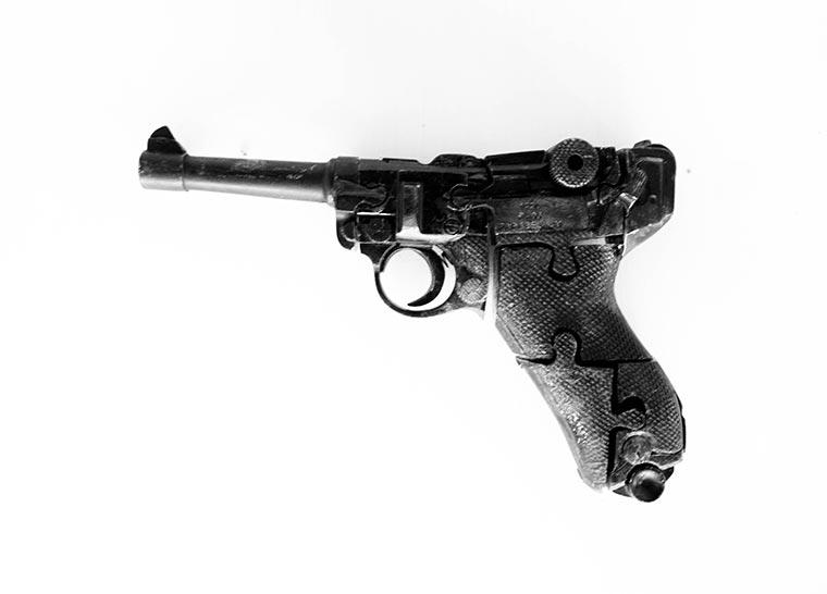 Puzzles aus illegalen Waffen Waffenpuzzle_08