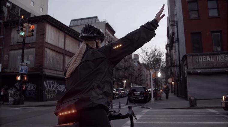 Jacke blinkt für Fahrradfahrer bikelight-jacket