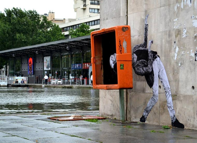 Street Art: Levalet Levalet_02