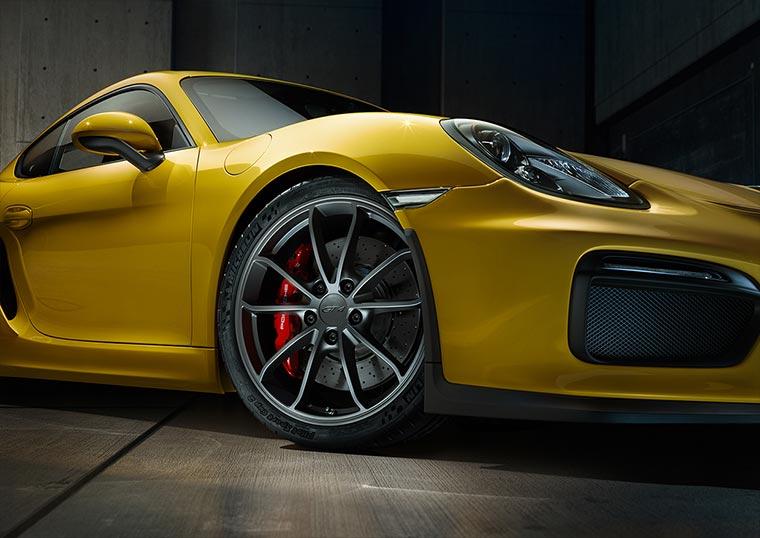 Porsche-Cayman-GT4_10