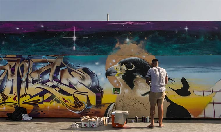 2.200 Meter lange Graffiti-Mauer Rehihatna