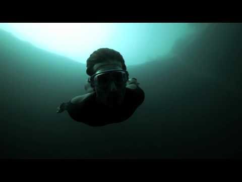 Unterwasser Basejump