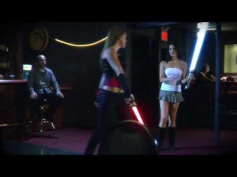 Hot Ladies im Lichtschwertkampf