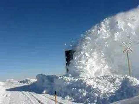 Awesome Schneeräumzug