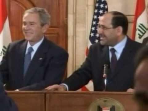 Bush wird mit einem Schuh beworfen
