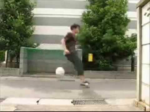 Fußballakrobatik