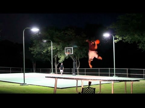 Trickshot Battle: Basketball vs. Frisbee