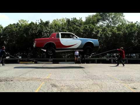 Das seilspringende Auto