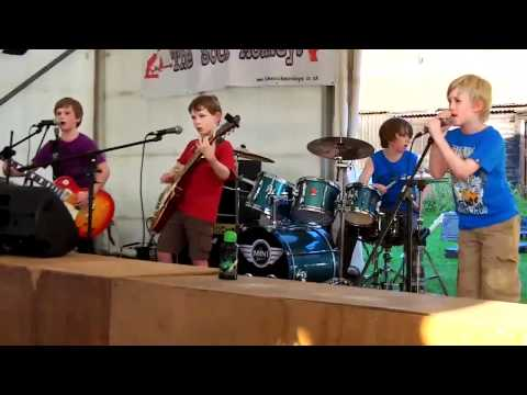 Awesome: Kids cover Enter Sandman
