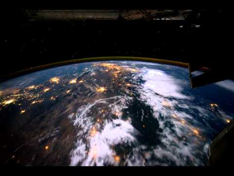 Timelapse-Flug um die Erde