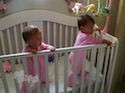 Babyzwillingsnießen