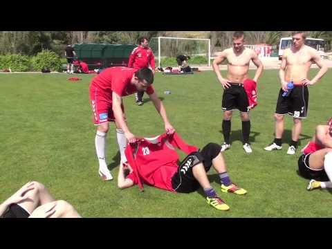 Fies geplanter Streich beim Fußballtraining