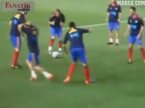 Fußballspieler vs. Laibchen