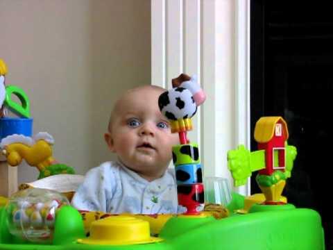 Baby hat Angst vorm Naseputz-Geräusch