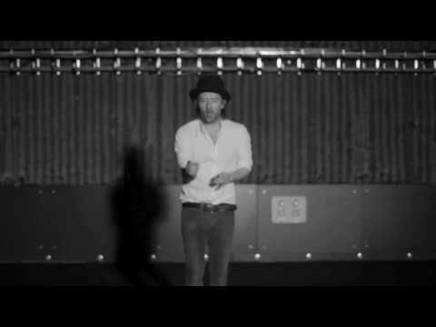Thom Yorke tanzt zu allem Scheiß
