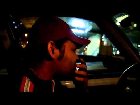 Taxifahrer singt Billy Jean bei der Fahrt