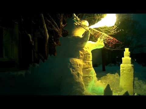 Godzilla aus Schnee