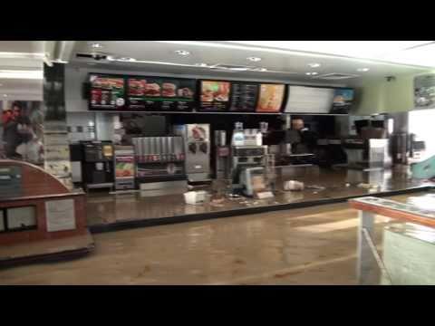 Mit dem Kanu durch McDonalds