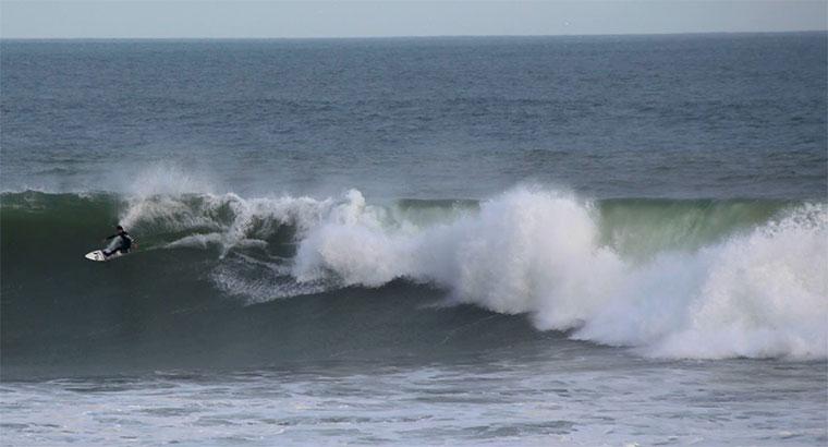 100 Sekunden lang auf einer Welle surfen