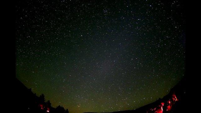 Galaktische Timelapse mit inklusive Milchstraßen-kern mit drinne