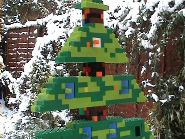 Lego-Weihnachtsbaum spielt A Christmas Carol
