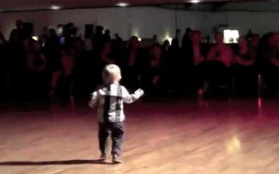 2yold_dancingjpg