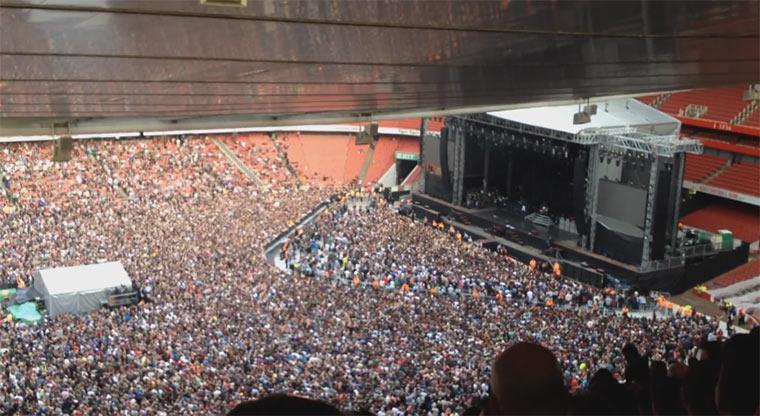 Bohemian Rhapsody von 60.000 Green Day Fans gesungen