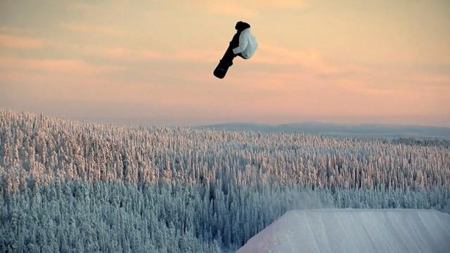 ANTIOUT_Snowboarding