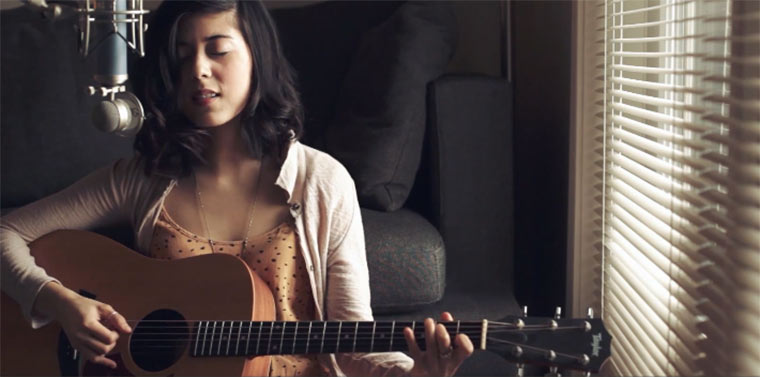 Daniela Andrade – Crazy in Love (Cover)