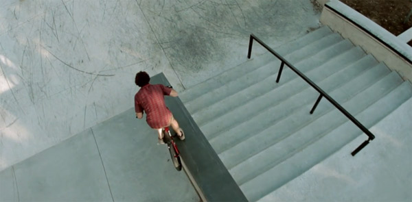 Mit dem Heli überm Skatepark filmen