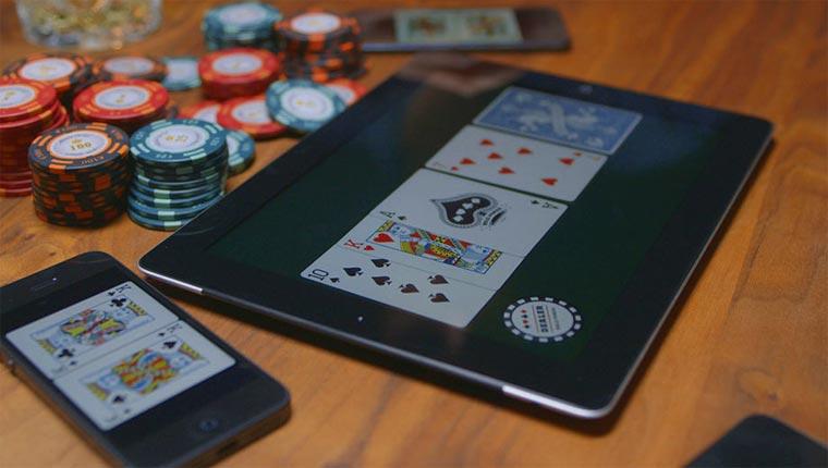 Für Digitalopfer: Poker auf mehreren Smartphones