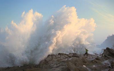 Breaking_Waves