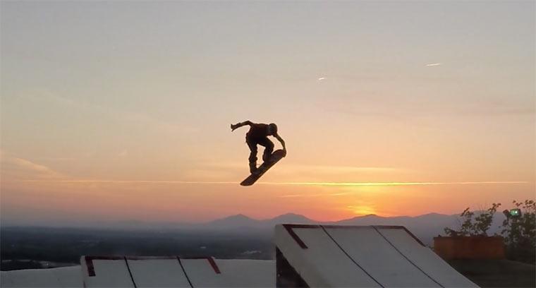 Snowboarden ohne Schnee