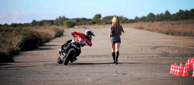 Motorrad-Drift-Action: Jorian Ponomareff
