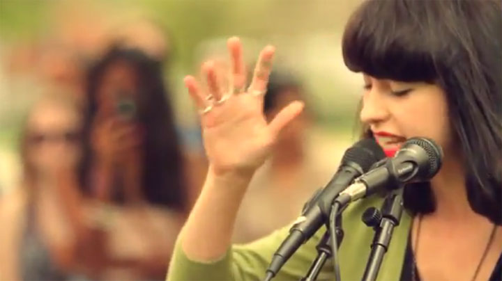 Kimbra – Settle Down (Live Loop-machining)