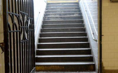 NYC_subway_stairs