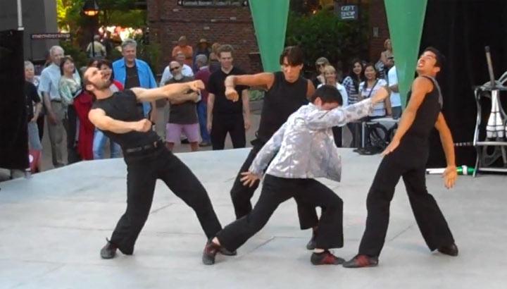 Akrobatischer Showkampf um eine Jacke