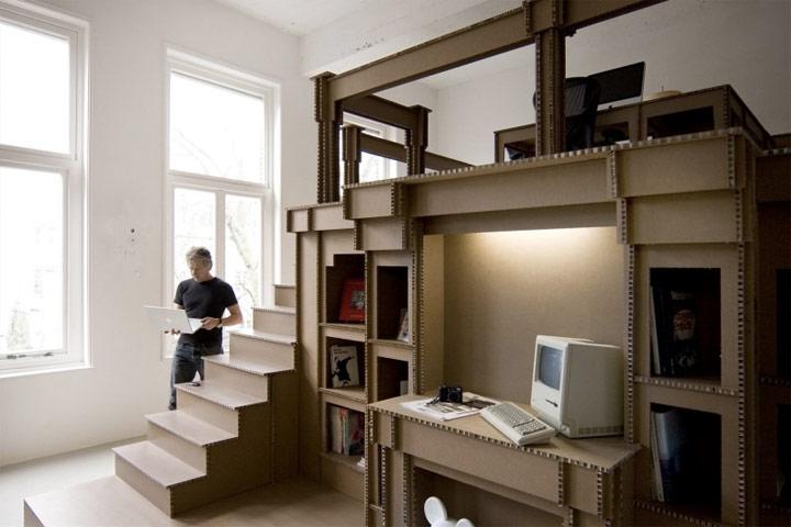 Ein Büro aus Pappe