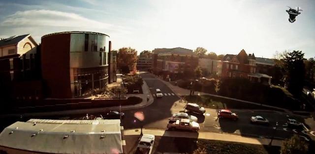 Mit dem RC-Flugzeug über den Campus