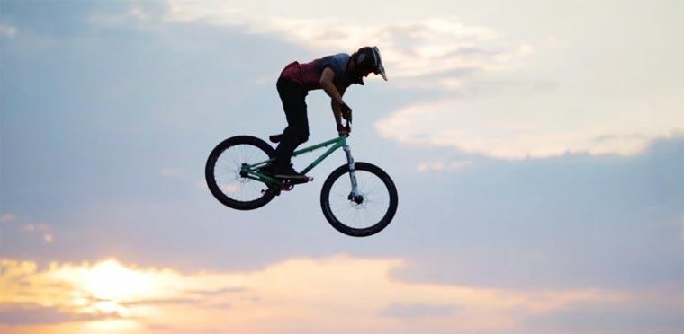 Mountainbike-Action: Tom van Steenbergen :: Rise